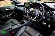 Mercedes-Benz Gla Class GLA 200 D 4MATIC AMG LINE PREMIUM PLUS 8