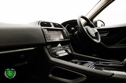 Jaguar F-Pace PORTFOLIO 2.0d AWD 60