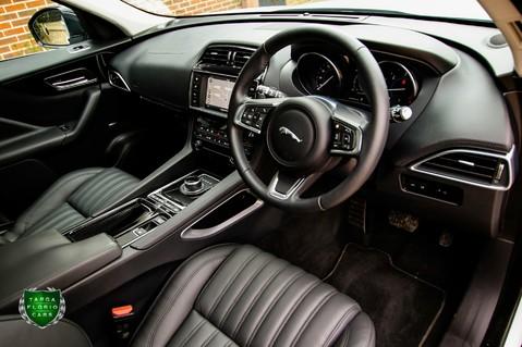 Jaguar F-Pace PORTFOLIO 2.0d AWD 9