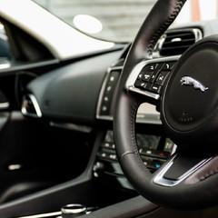 Jaguar F-Pace PORTFOLIO 2.0d AWD 1