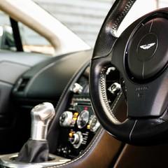 Aston Martin Vantage V12 2