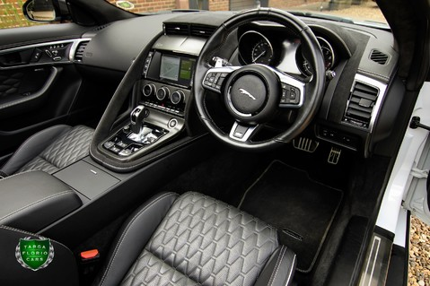 Jaguar F-Type V8 SVR AWD 61