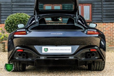 Aston Martin Vantage 4.0 V8 Auto 34