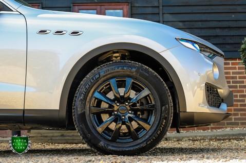 Maserati Levante D V6 11