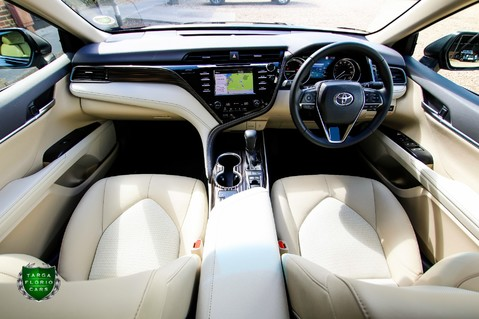Toyota Camry 2.5 VVT-I EXCEL Auto 27