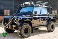 Land Rover Defender 2.2 TD DCB 110 XS - SPECTRE EVOCATION 35