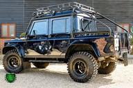 Land Rover Defender 2.2 TD DCB 110 XS - SPECTRE EVOCATION 40