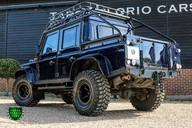 Land Rover Defender 2.2 TD DCB 110 XS - SPECTRE EVOCATION 41