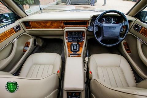 Daimler Saloon 4.0 XJ-40 Auto 9