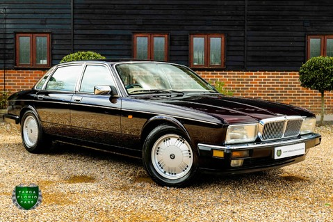 Daimler Saloon 4.0 XJ-40 Auto 25