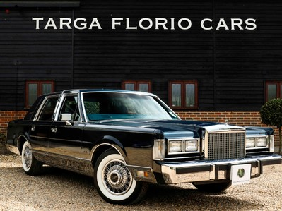 Lincoln Town Car 5.0 V8 Saloon Automatic