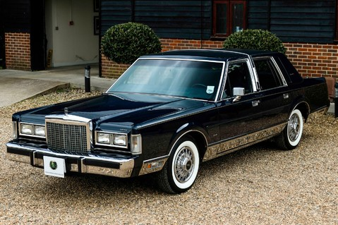 Lincoln Town Car 4.6 V8 Saloon Automatic 13