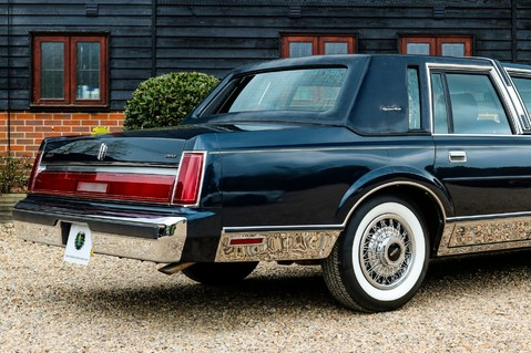 Lincoln Town Car 4.6 V8 Saloon Automatic 25