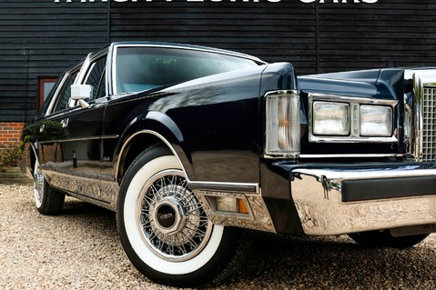 Lincoln Town Car 4.6 V8 Saloon Automatic 2