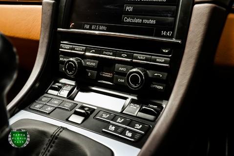 Porsche 911 3.8 CARRERA 4S Manual 8