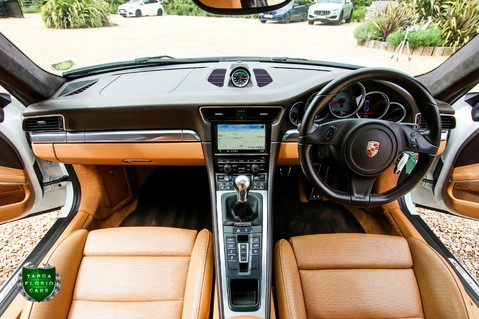Porsche 911 3.8 CARRERA 4S Manual 16