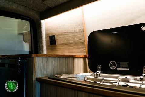 Volkswagen Transporter T30 2.0 TDI HIGHLINE Camper Conversion 47