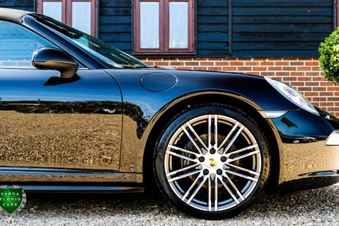 Porsche 911 3.4 CARRERA 4 BLACK EDITION PDK 5