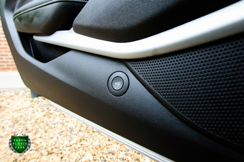 Chevrolet Camaro SS Convertible V8 Auto 33