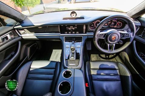 Porsche Panamera TURBO 4.0 PDK 10