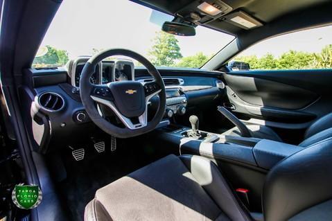 Chevrolet Camaro Z/28 7.0 LS7 Manual 28