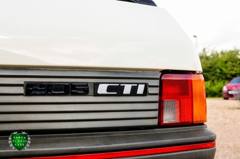 Peugeot 205 CTI CABRIO 1.6 27