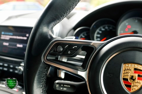 Porsche Cayenne D 4.2 V8 S TIPTRONIC S AUTO 32