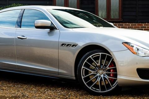 Maserati Quattroporte GTS 3.8 V8 AUTO 32