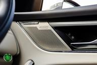 Jaguar F-Pace SVR 5.0 V8 AUTO 35