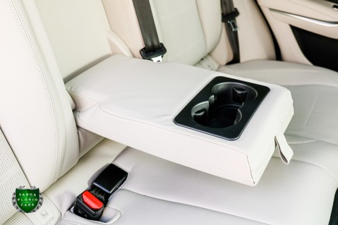 Jaguar F-Pace SVR 5.0 V8 AUTO 53
