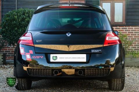 Renault Megane RENAULTSPORT F1 TEAM R26.R 56