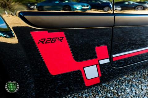 Renault Megane RENAULTSPORT F1 TEAM R26.R 27