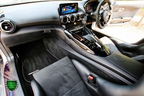 Mercedes-Benz Amg GT R 4.0 V8 Auto 17
