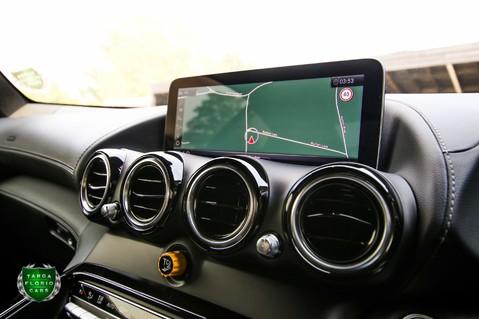 Mercedes-Benz Amg GT R 4.0 V8 Auto 22