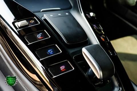 Mercedes-Benz Amg GT R 4.0 V8 Auto 23