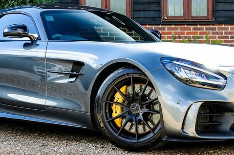 Mercedes-Benz Amg GT R 4.0 V8 Auto 44