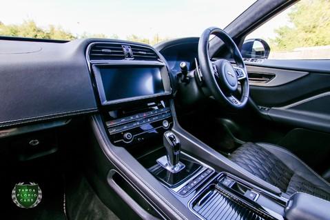 Jaguar F-Pace SVR 5.0 AWD AUTO 11