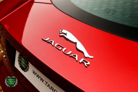 Jaguar F-Type 5.0 V8 R AWD 39