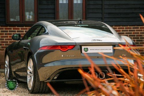 Jaguar F-Type V6 S 35