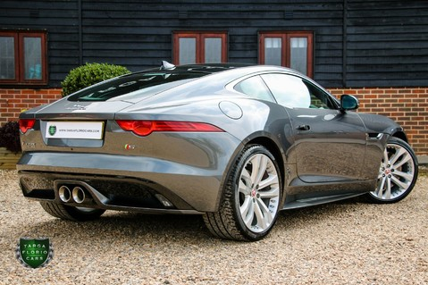 Jaguar F-Type V6 S 38