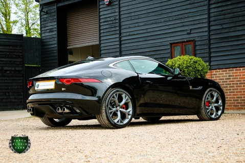 Jaguar F-Type R 3