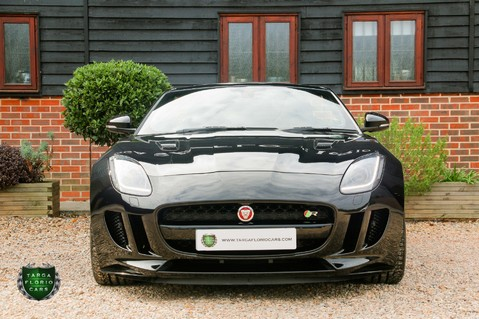 Jaguar F-Type R AWD 10