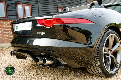 Jaguar F-Type R AWD 23
