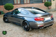 BMW 4 Series M4 COMPETITION 21