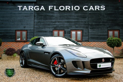 Jaguar F-Type R AWD 1