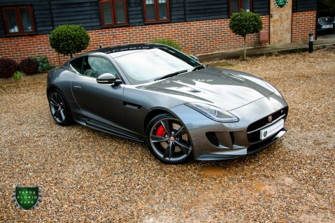 Jaguar F-Type R AWD 13