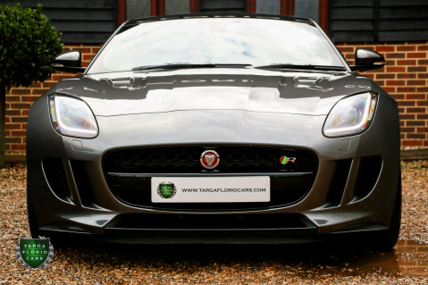 Jaguar F-Type R AWD 5