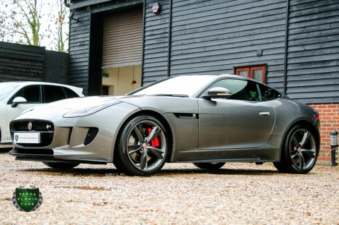 Jaguar F-Type R AWD 20