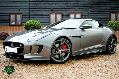 Jaguar F-Type R AWD 22