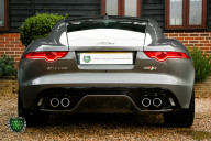 Jaguar F-Type R AWD 29